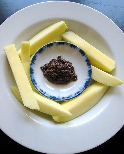 Green_mangoes_bagoong