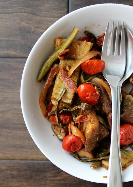 Oven-roasted-pinakbet-with-bacon-bowl